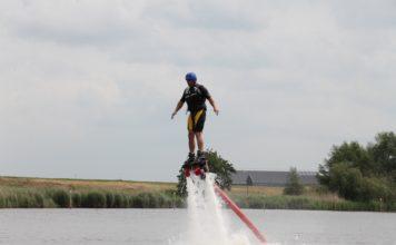 Flyboarder - Foto: Hans Vollebregt