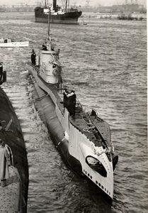 HNLMS Dolfijn, voorheen HMS Taurus