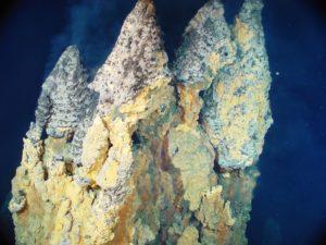 Diepzee 'smoker' schoorstenen - Foto: NOAA / CC BY 2.0