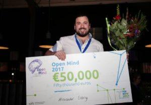 Alexander Ebbing wint Open Mind-beurs