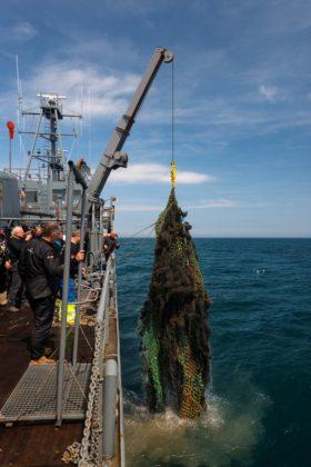 Netten opvissen tijdens expeditie Bruine Bank - Foto: Udo van Dongen / DDNSZ