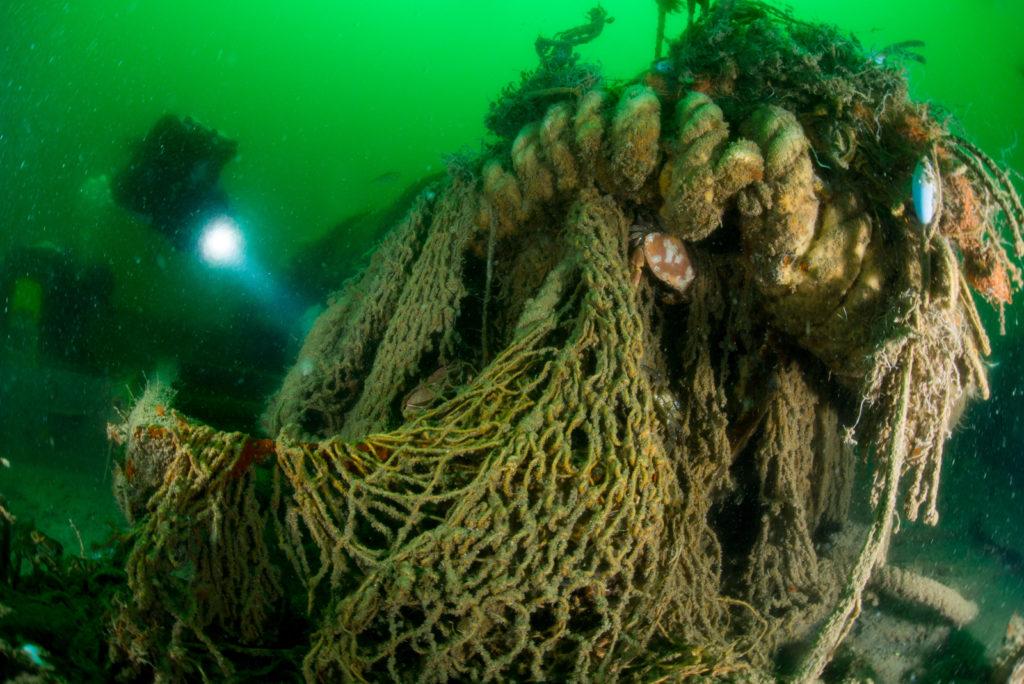Spooknetten op wrak in de Noordzee - Foto: Udo van Dongen
